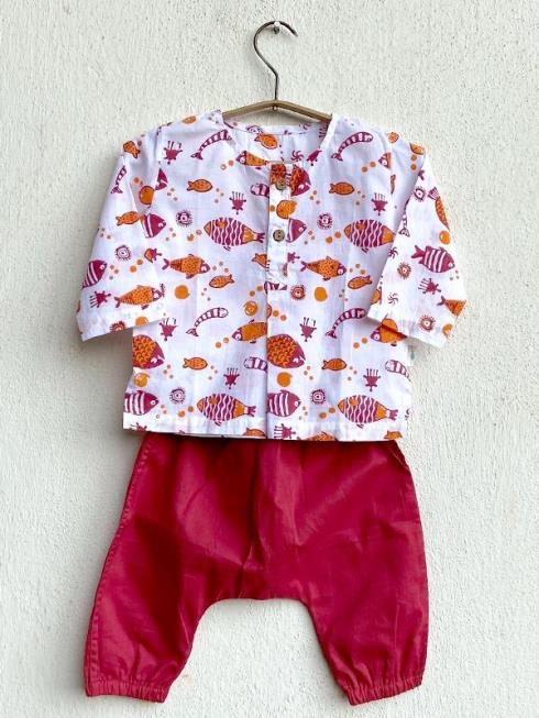 whitewater kids Kids Red Clothing Sets